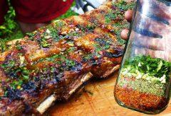 Chimichurri tradicional y casero para el asado argentino