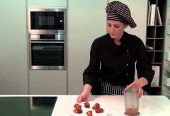 Cómo preparar tapas: pincho de plátano con beicon y nidos de huevo con chorizo