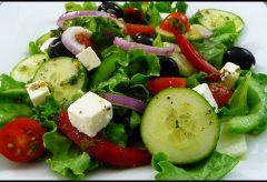 Ensalada Griega, riquísima y saludable