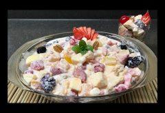 Preparar una ensalada de frutas en crema