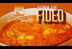 Sopa de fideo tradicional