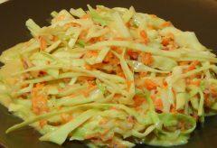 Cómo hacer una ensalada agriduclce de ropollo y zanahoria