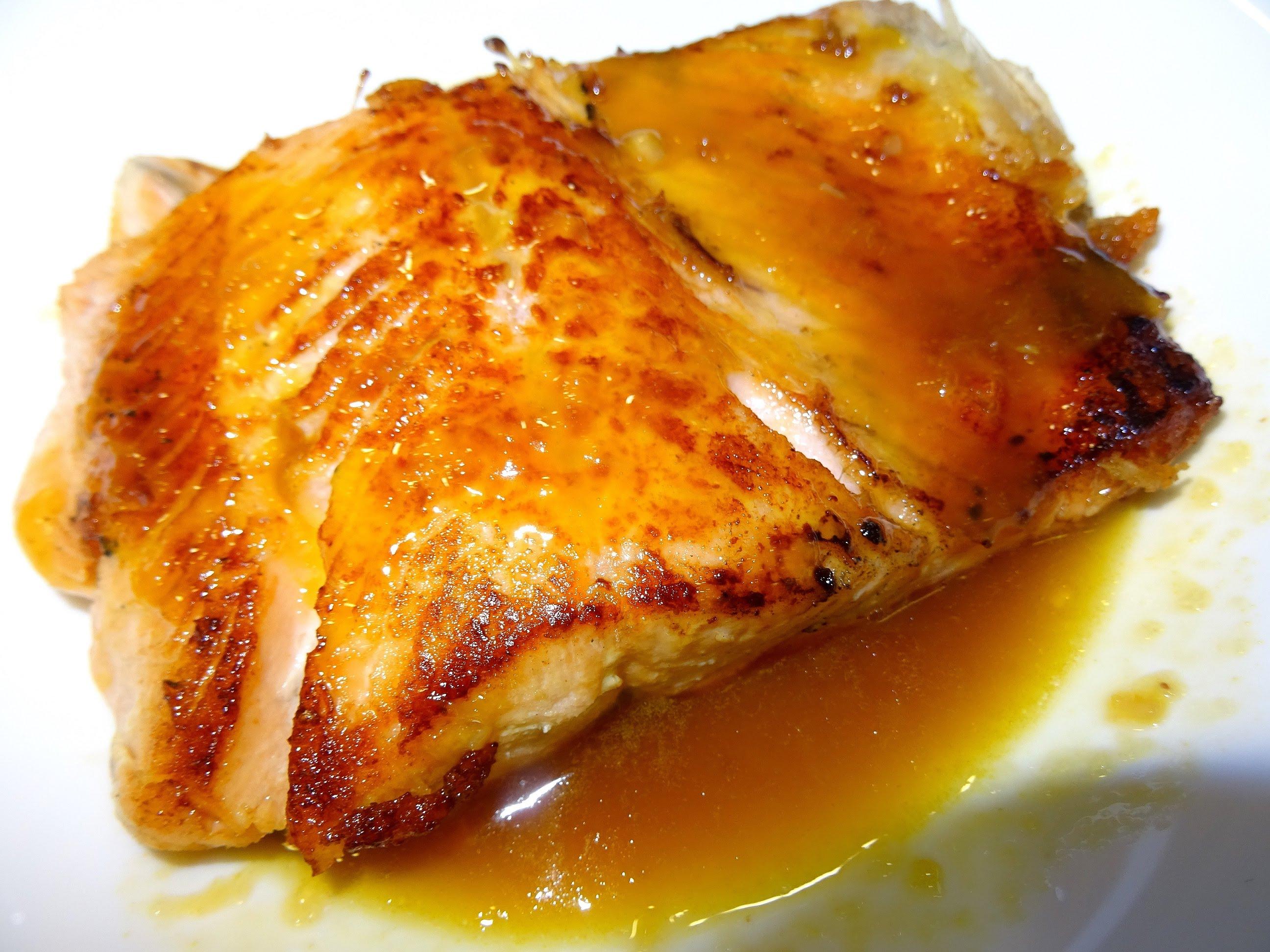C mo preparar un salm n con salsa de naranja riqu simo for Como cocinar salmon