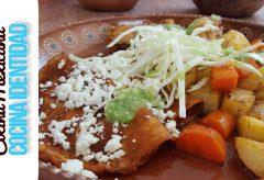Cómo preparar unas tradicionales Enchiladas Placeras. Típicas de México.