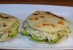 Receta Arepas con relleno Reina Pepiada – Recetas de cocina, paso a paso