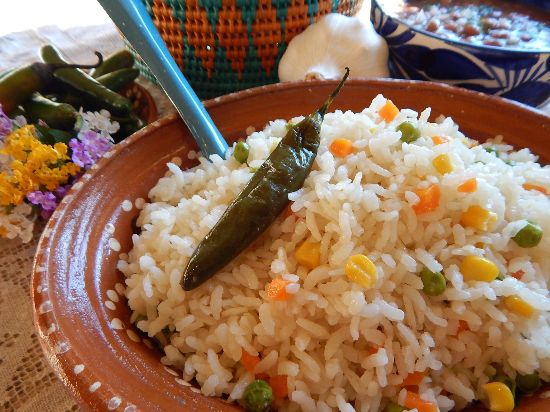 C mo cocinar un arroz blanco mexicano v deos de cocina y for Resetas para cocinar