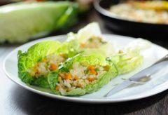Preparación de unos ricos rollos de arroz con verduras