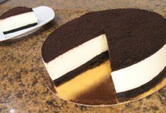 Cómo hacer una tarta de galletas Oreo
